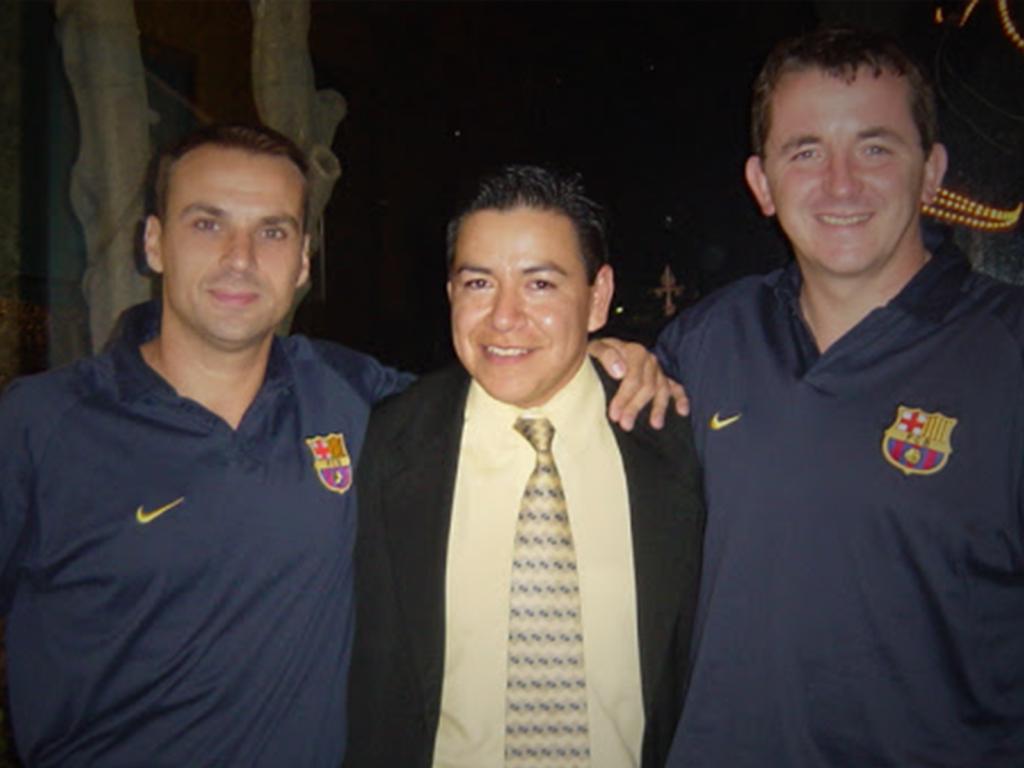 Dr. Alejandro Pérez formo parte del FC Barcelona (ESPAÑA) llegando a ser el Asistente Medico de Jefe de servicios Médicos.