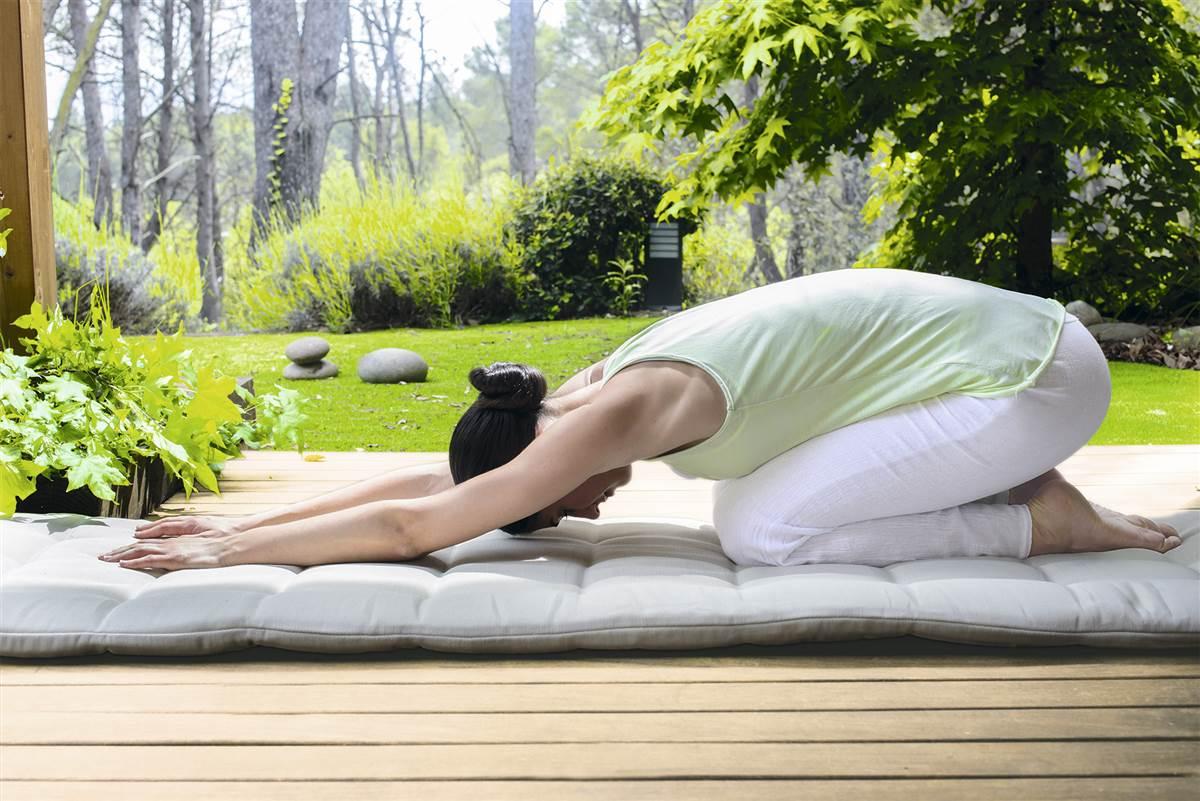 Estiramientos que ayudan a reducir el dolor en la espalda.